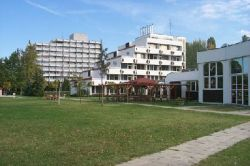 Három Hattyú Hotel